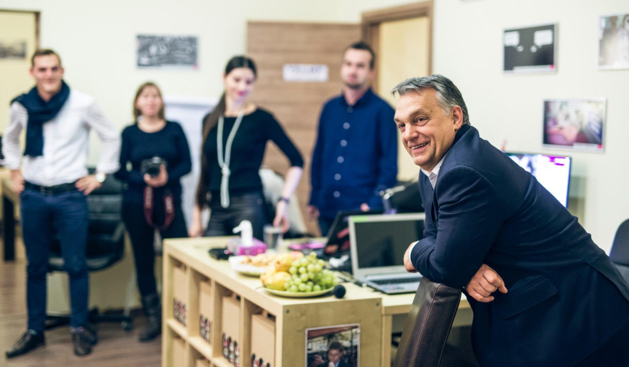 Orbán Viktort megérteni próbálni felelősséged.